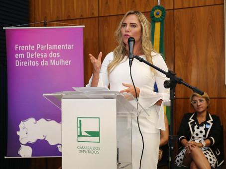 Instalada na Câmara Federal a Frente Parlamentar em Defesa dos Direitos da Mulher