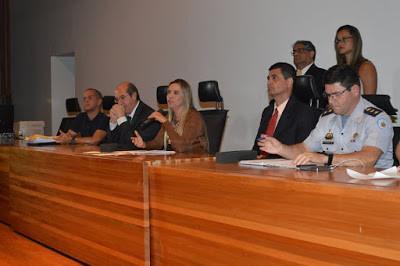 Deputada Celina Leão Realiza Reunião com Policiais e Bombeiros