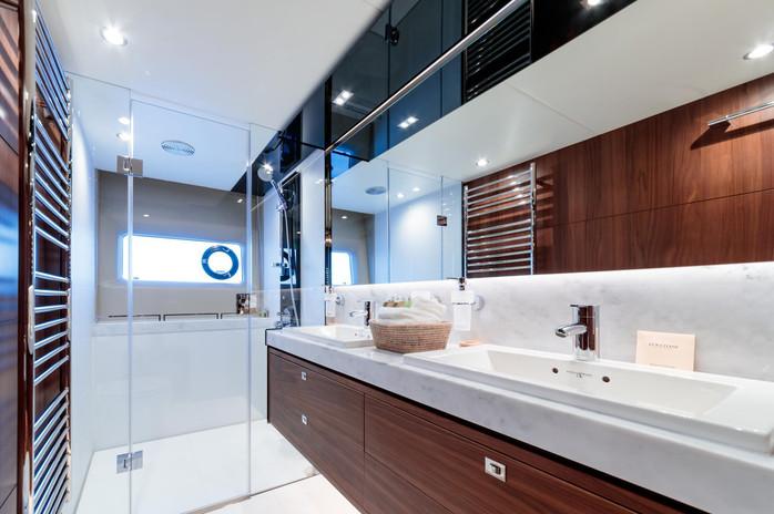 Nelena - Master Ensuite Bathroom