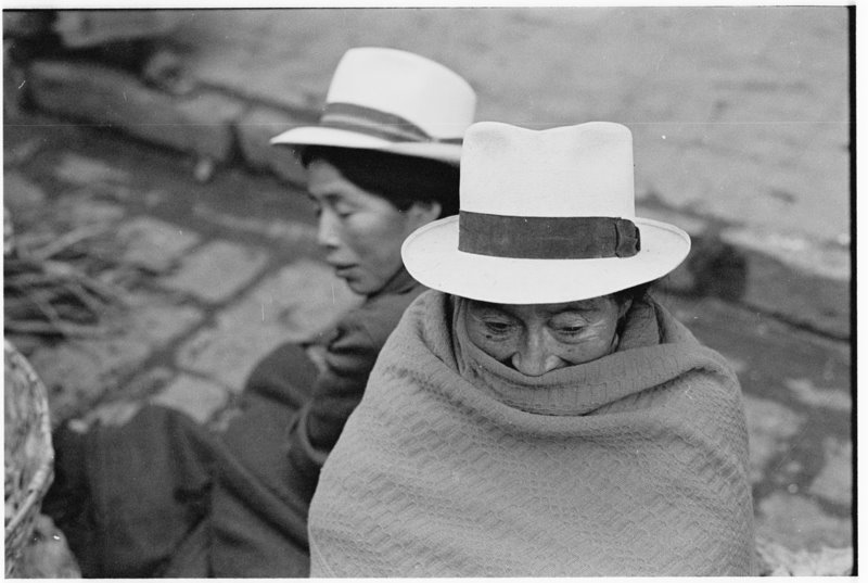 Hats Ecuador - by David Peat