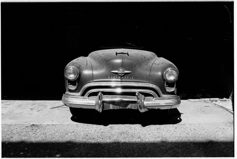 Memphis Car - by David Peat