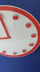 Relógio Montessori de Figuras Móveis.jpg