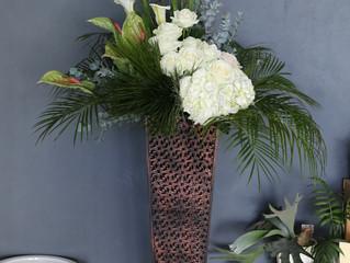 白・グリーンのスタンド花