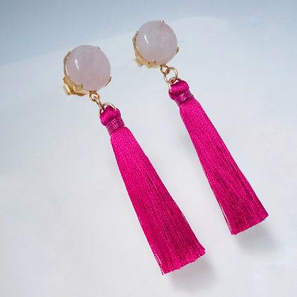 Aretes cuarzo rosa con borla fucsia