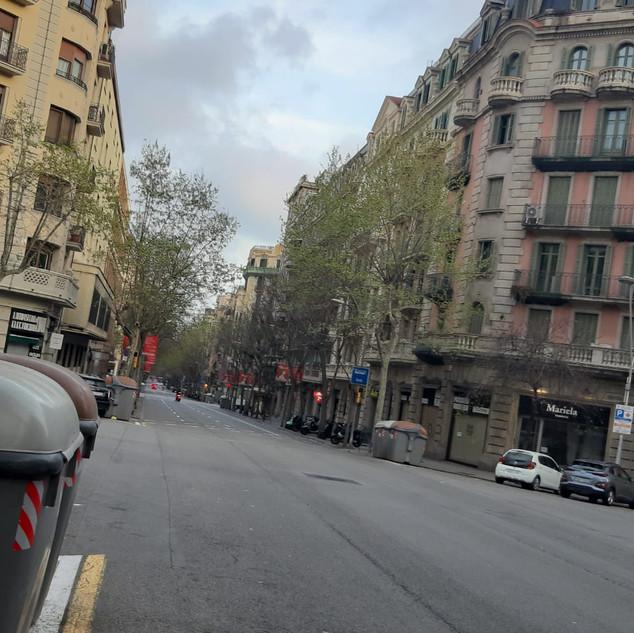 Carrer Muntaner, Barcelona. 18_41h dijou
