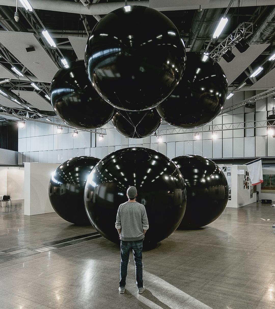 Black Balloons, ArtVilnus (2017) - TADAO