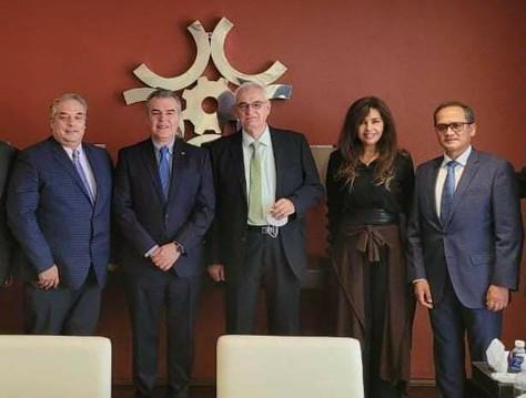 Telemedicina de México firma acuerdo con CONCAMIN para mejorar condiciones de salud en la industria.