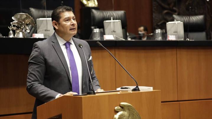 Senador Alejandro Armenta, impulsa iniciativa en pro de derechos de militantes de partidos