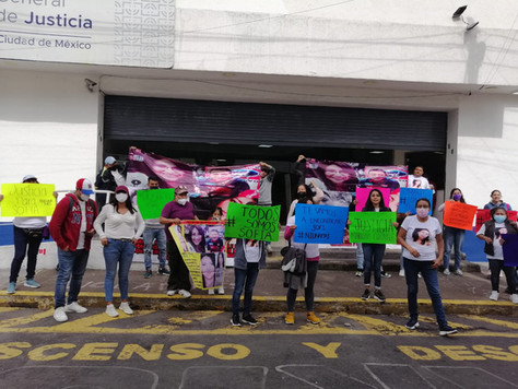 Familiares de Sofía Lorena Meneses Méndez se manifestaron en la FGJCDMX