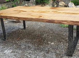 table basse, métal et bois, mobilier artisanal, meuble artisanal
