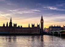 London-wallpaper-45_edited_edited.jpg