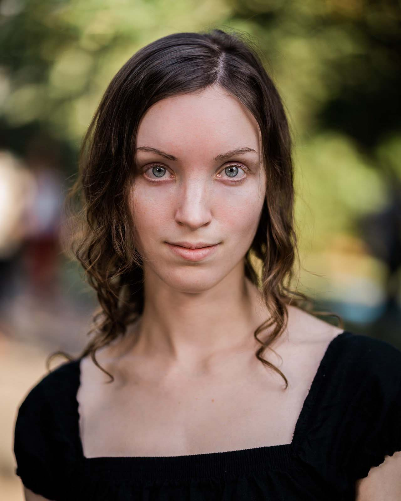 Samantha Weller - headshot_2.JPG