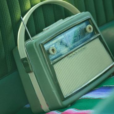 5 podcasts féministes à écouter cet été