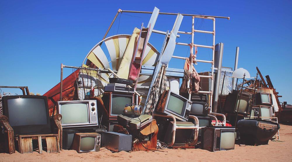 télévisions dans le sable