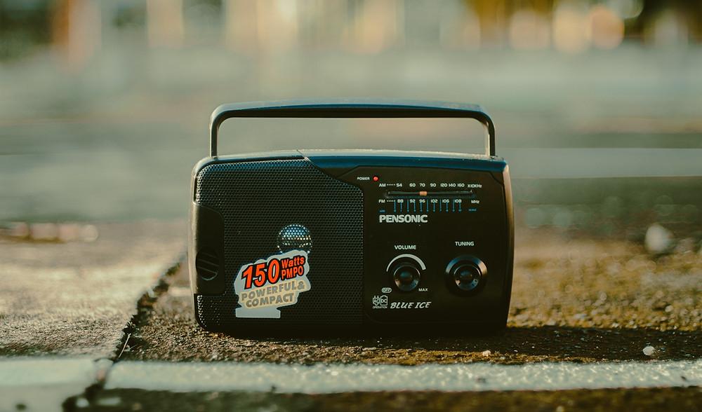 radio vintage dans la rue