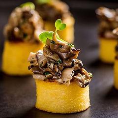 Vegan bite #polenta #funghi #appetizer #