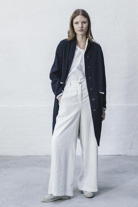 21301 - Coat Marika group 1 harris tweed 21348 - Shirt Sabina group 10 percale 21338 - Pants Tecla group 8 linen silk