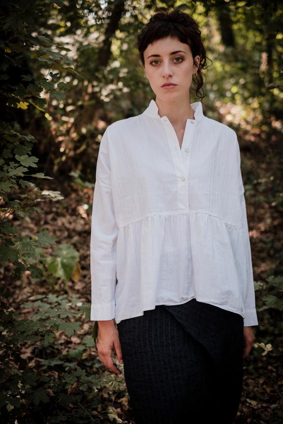 19167 - cotton shirt Cathalina 19103 - linen skirt Jacotte