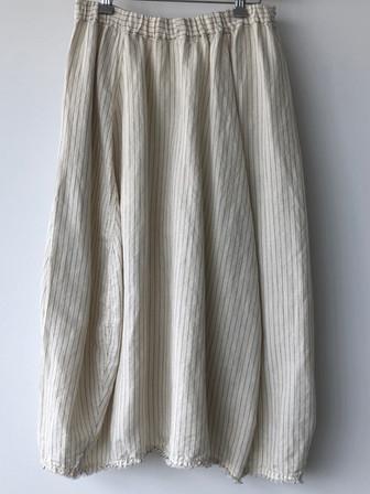 S20116 - Skirt Jenny (back) 51% LI + 49% CO Price : 377 $