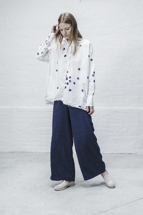 21353 - Shirt Sharon group 10P printed percale 21338 - Pants Tecla group 8 linen silk