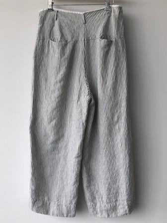 S20107 - Pants Prisca  (back) 100% LI Price : 329 $