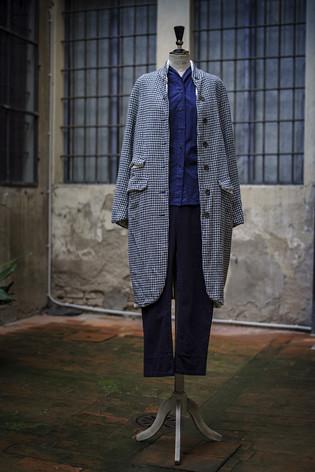 19301 - Coat Carine 19366 - Shirt Carmen 19332 - Pants Pamira