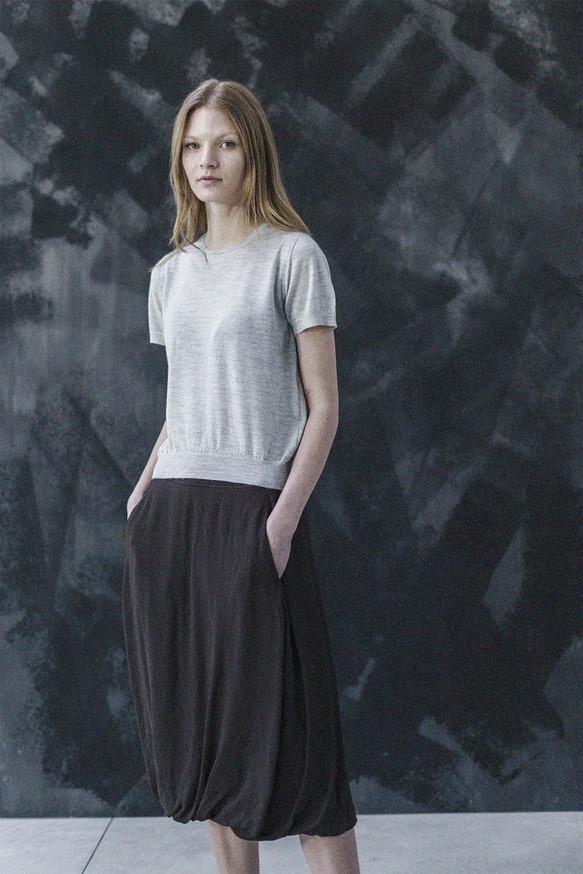 21360 - Skirt Ivana group 11 crepe 21408 - T-shirt Katherine group 15 knit