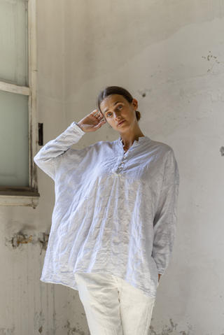 21169 - Shirt Cristina 21123 - Pants Pierina