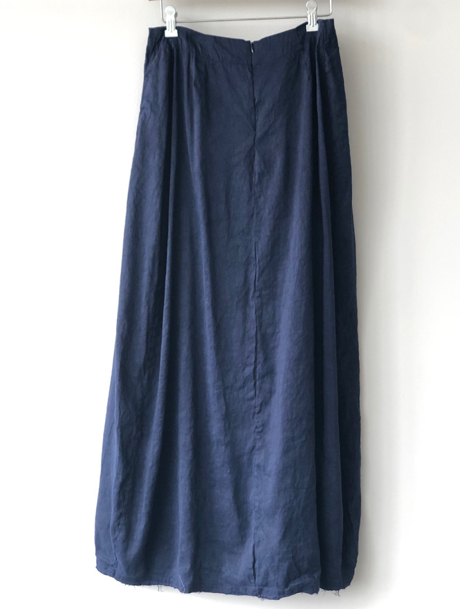 S20119 - Skirt Jeanne (back) 65% LI + 35% SE Price : 413 $