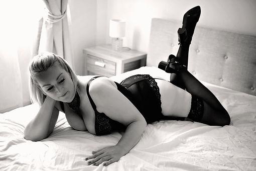 boudoir session.jpg