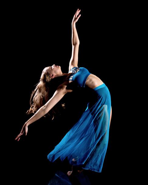dramatic light dance