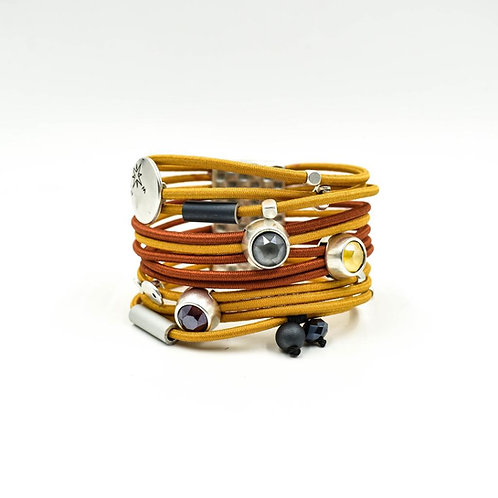 Layered Fashion Bracelet,magnetic closing.