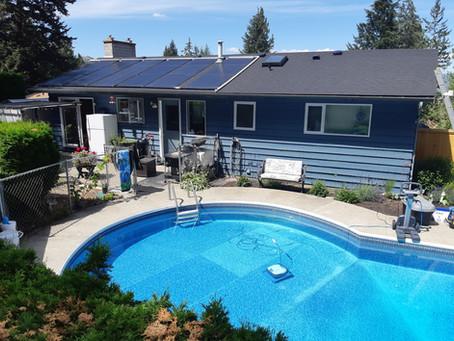 Enjoy sunshine in the solar swimming pool