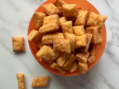 The Easiest Yummiest Cheesy Crackers