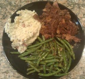 Roast beef, garlic mash potato and sauteed green beans