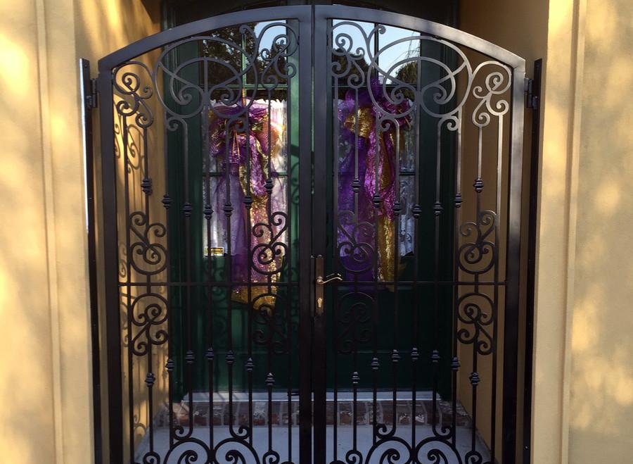 black double gate.jpg