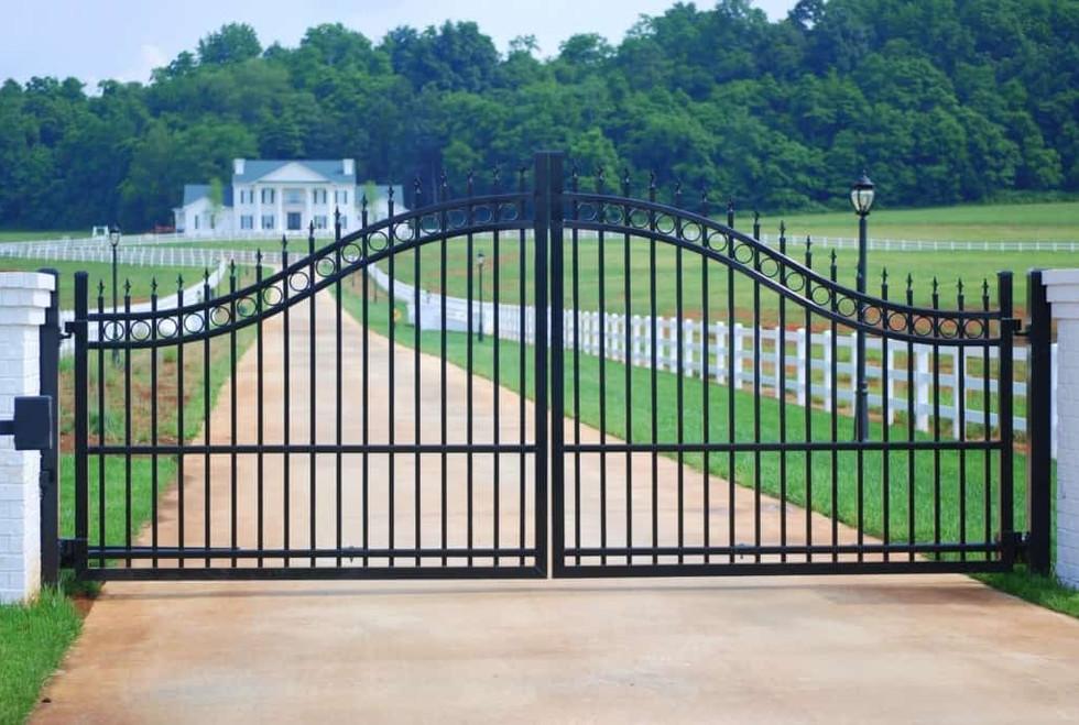 estate-gate-best-1024x685.jpg