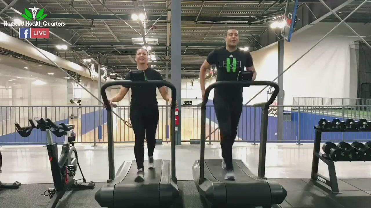 Aaron Howard races Jessie Adams on the Assault Air Runner 🏃🏻♀️ 🏃🏾♂️