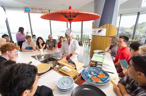 Chef Suda prepares fugu pufferish.