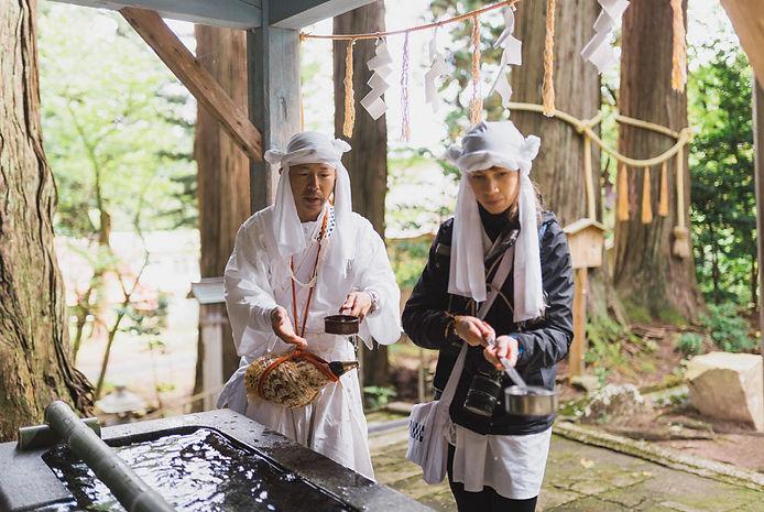 Yamabushi training on the Dewa Sanzan