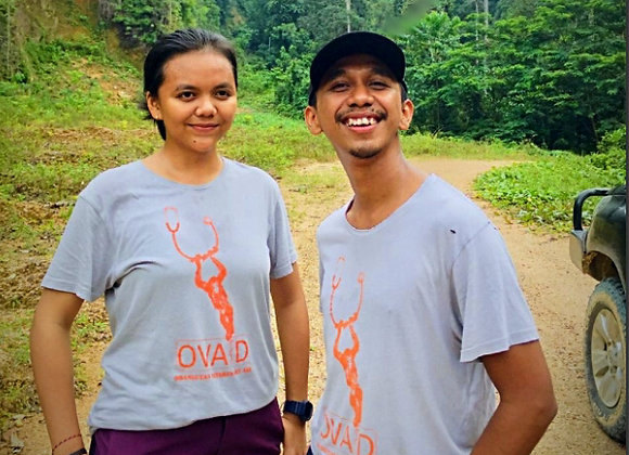 OVAID Unisex T shirt 'Kiki' design Khaki or Light Grey
