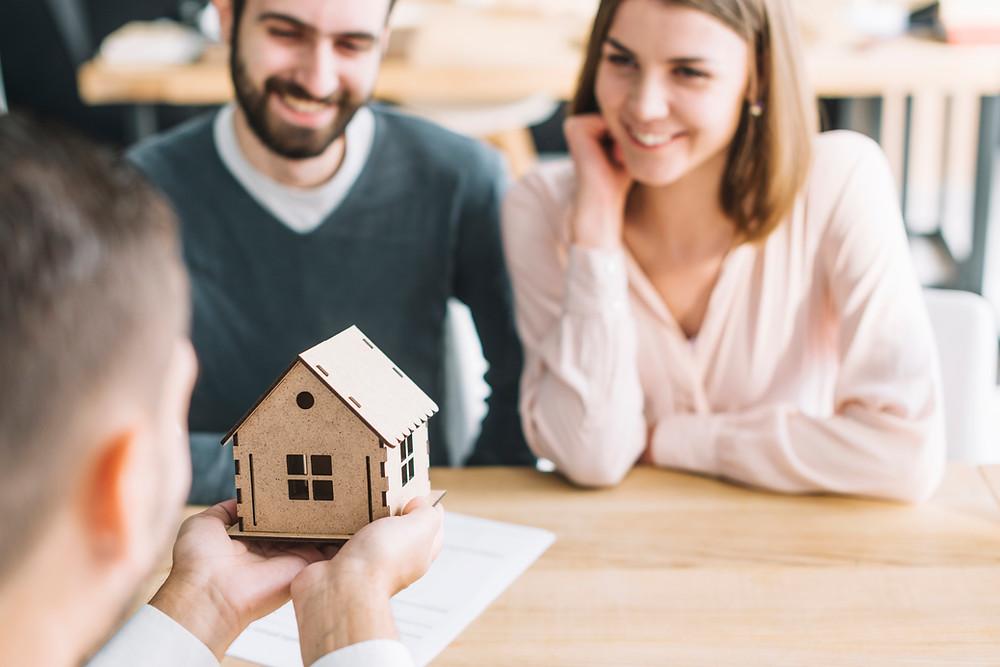 contratar uma imobiliária para administrar seu imóvel