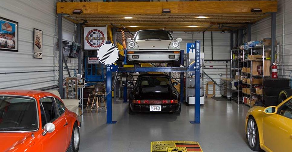 Luxury-Condo-Garage-in-Johnson-County-KS