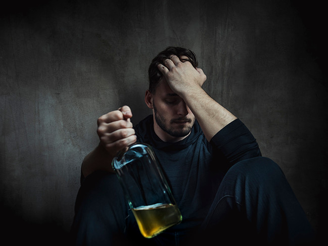 Alcohol Addiction: Common Risk Factors for Becoming an Alcoholic