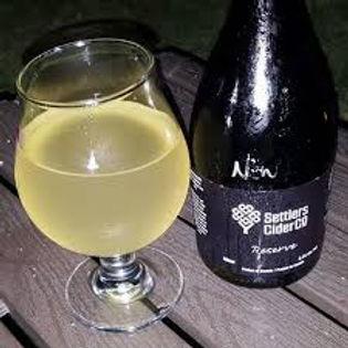 Settler's Cider co & cider in glass