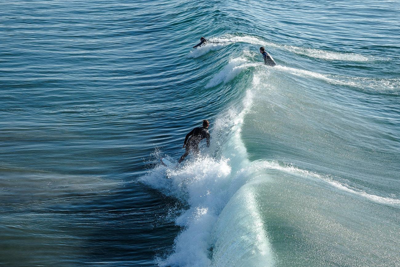 drone surfer line.jpeg