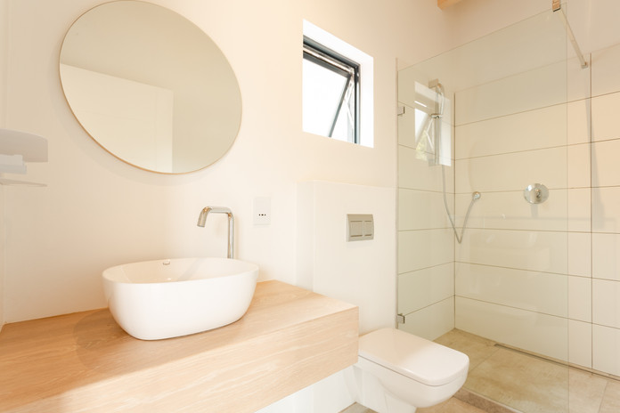 deck appt double bathroom.JPG