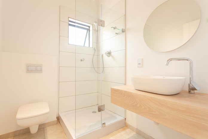 loft appt bathroom bedroom1.JPG