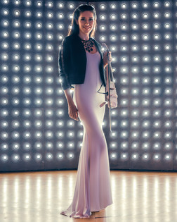 Белое платье скрипачка