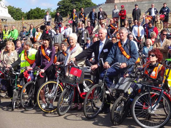 Huw Irranca-Davies MP with other MPs and peers, preparing to cycle to Westminster Palace
